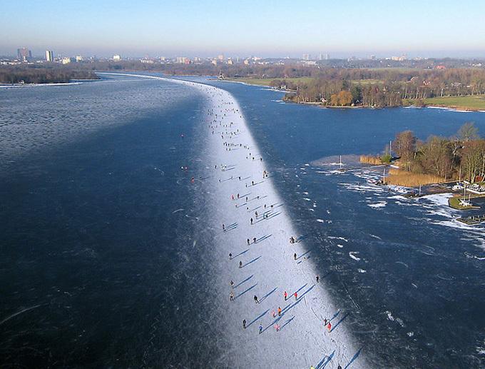 死ぬまでに一度は行きたい世界の絶景:オランダ氷の道