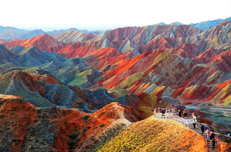 死ぬまでに一度は行きたい世界の絶景:中国の張掖丹霞地貌
