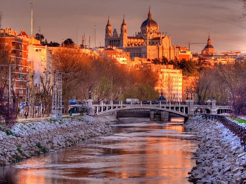スペイン旅行の前に必見!スペイン観光のおすすめ地域5選