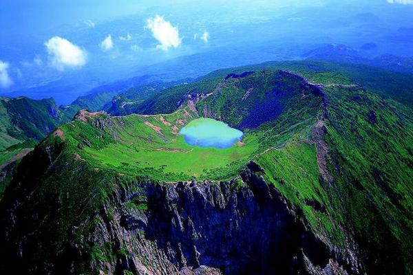 死ぬまでに一度は行きたい世界の絶景:済州の火山島