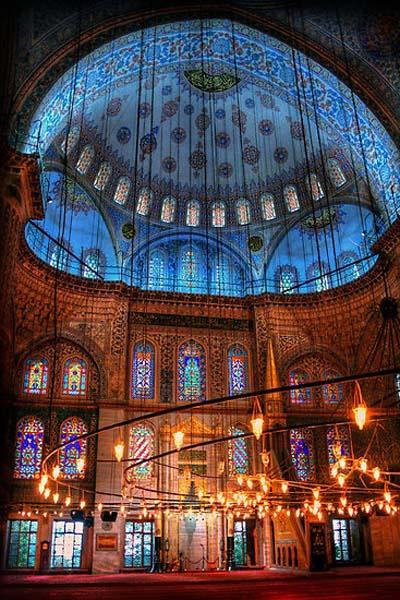 ブルーモスクことスルタンアフメト・モスクの内部の装飾