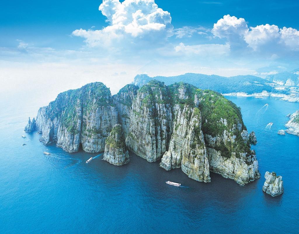 巨済島の海金剛(ヘクムガン)を空から見下ろした風景