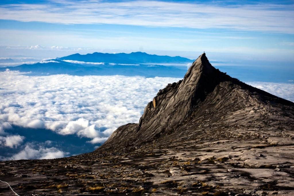 キナバル山の山頂の風景