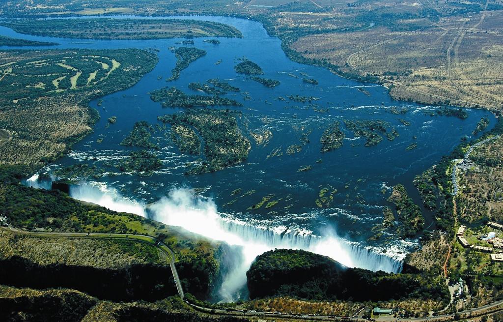 ヴィクトリアの滝を上空から眺めた風景