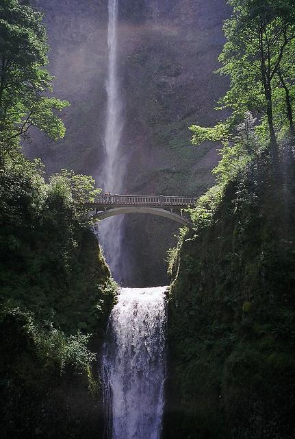 マルトノマ滝の中部の風景