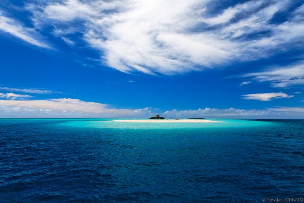 ノンカウイ島と海と空の風景