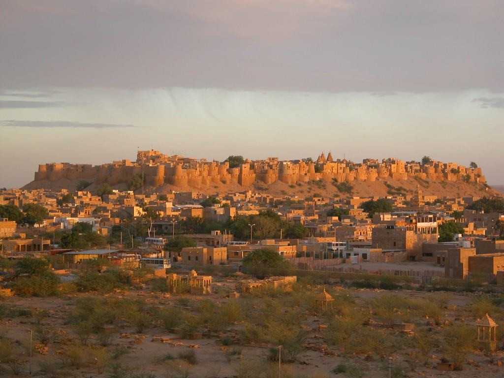 Fort_Jaisalmer_at_sunset
