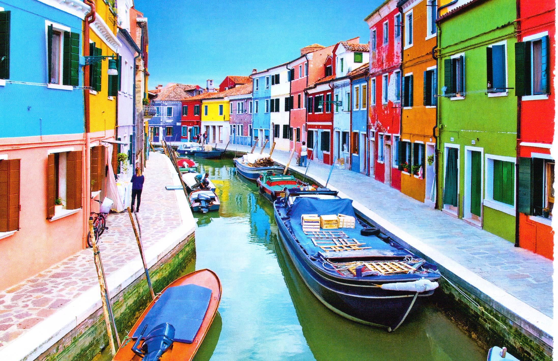 水の都を訪れる際には絶対寄りたい!カラフルでかわいすぎる「ベニスのブラーノ島」