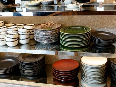 アンダーズ東京の朝食ブッフェの食器