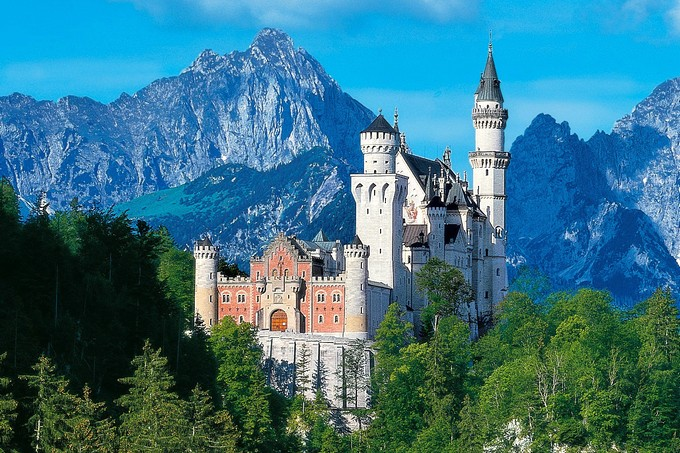 一度は行ってみたい「ヨーロッパの魅力的なお城」おすすめ6選