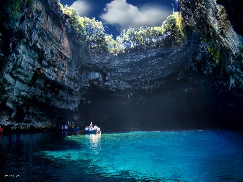 21-Озеро Мелиссани в Греции