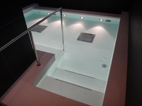 アンダーズ東京のスパの女性用のお風呂(ホットバス)