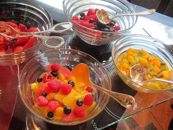 ザ・リッツ・カールトン京都の朝食のフルーツコーナー