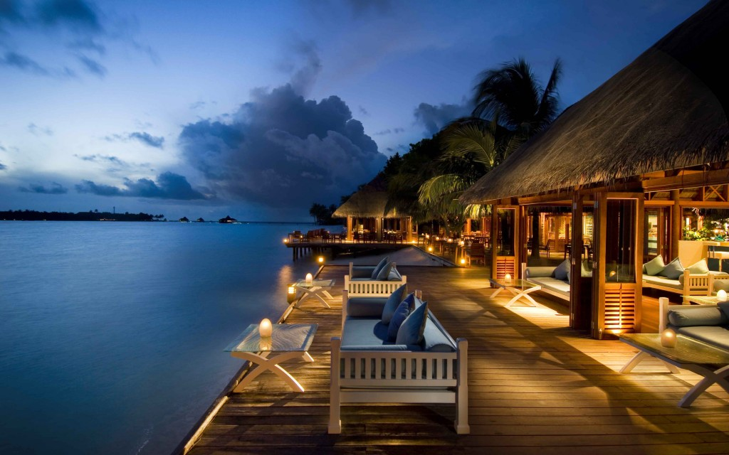 conrad-rangali-island-maldives-hotel-night