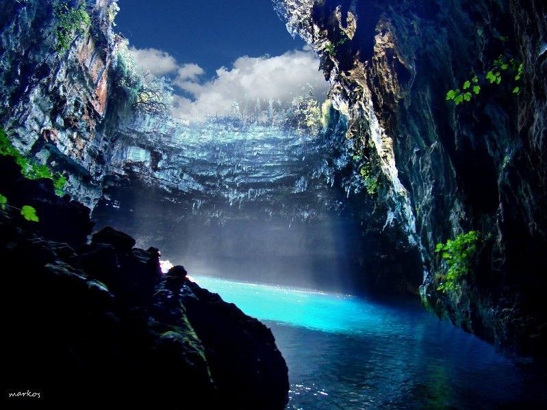 22-Озеро Мелиссани в Греции