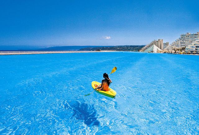 まるでビーチ!ギネス認定の世界最大のプールを持つホテル「サン·アルフォンソ·デル·マール」