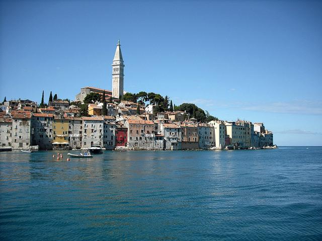 どこか懐かしさを感じるクロアチアの情緒溢れる港町「ロヴィニ」