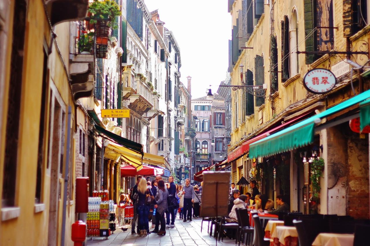 イタリア ヴェネツィアの街中の景色