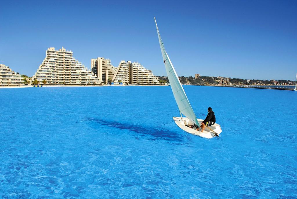 San-Alfonso-del-Mar-piscinaCILE-