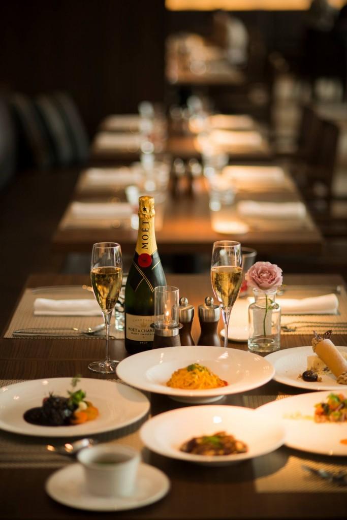 イタリアンレストラン「CORRENTE(コレンテ)」の料理とシャンパン