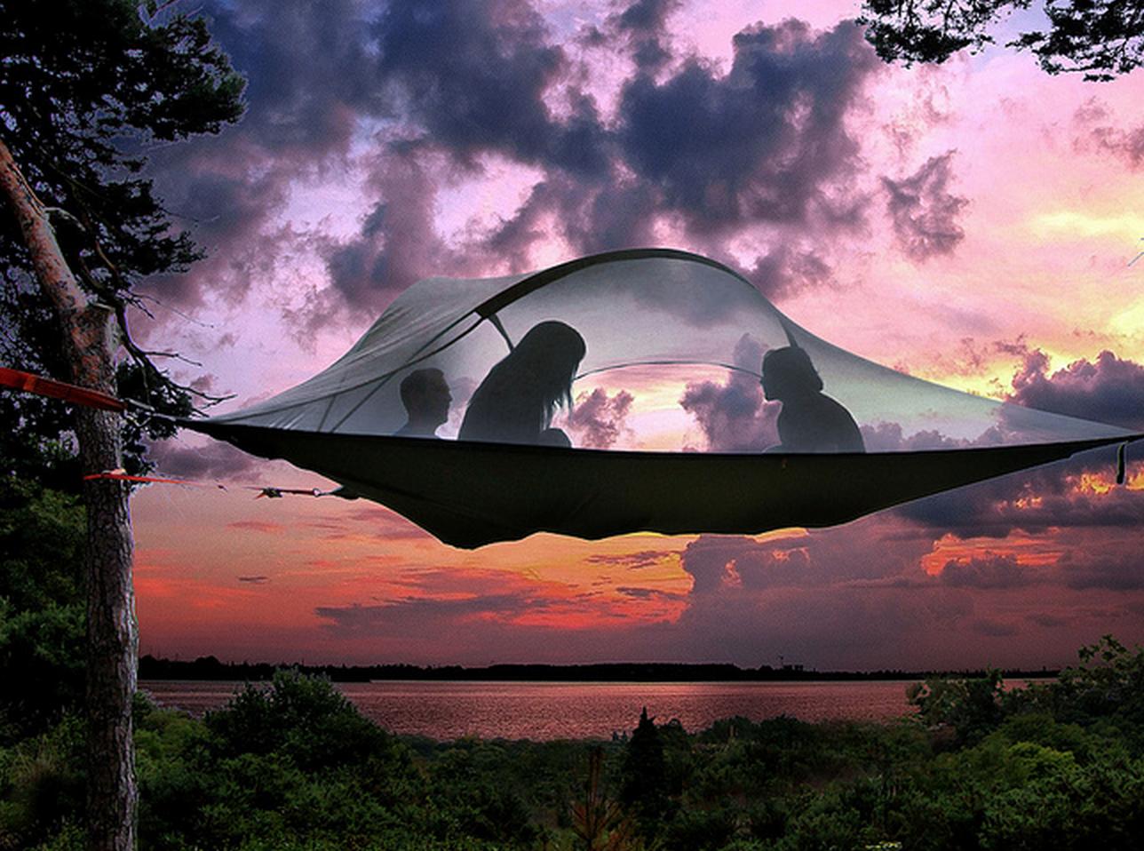キャンプは空中でする時代へ!「テントサイル・ツリーテント」で普段と違った夏のキャンプを満喫しよう!