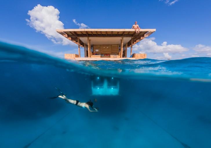 1・2階は海の中!?世界一美しい海に浮かぶ海中リゾート「マンタリゾート」が素敵すぎる