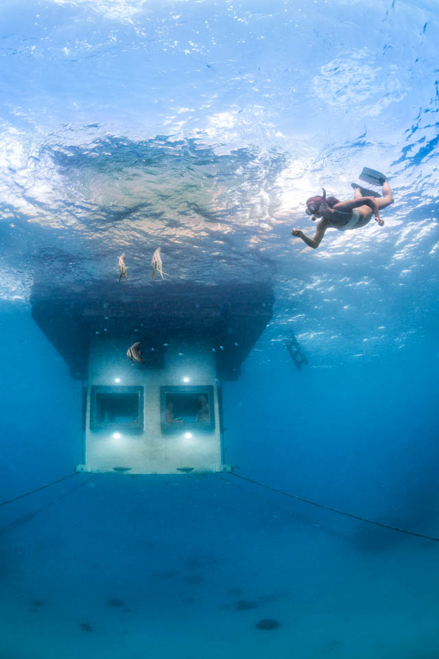 the-manta-resort-underwater-room-3