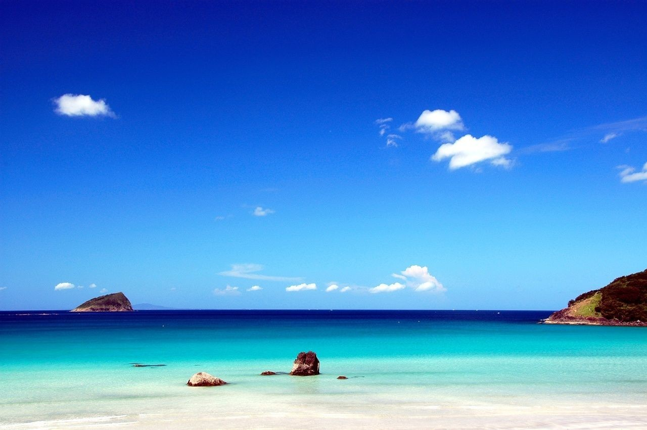 海外リゾート地に劣らない!穴場の絶景ビーチで過ごす長崎県「人津久の浜」