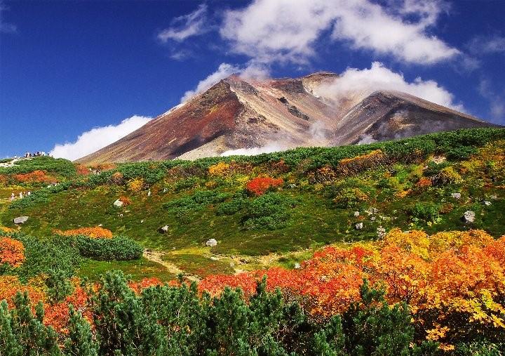 日本一早い紅葉「北海道の大雪山」で雄大な秋の大自然を楽しもう