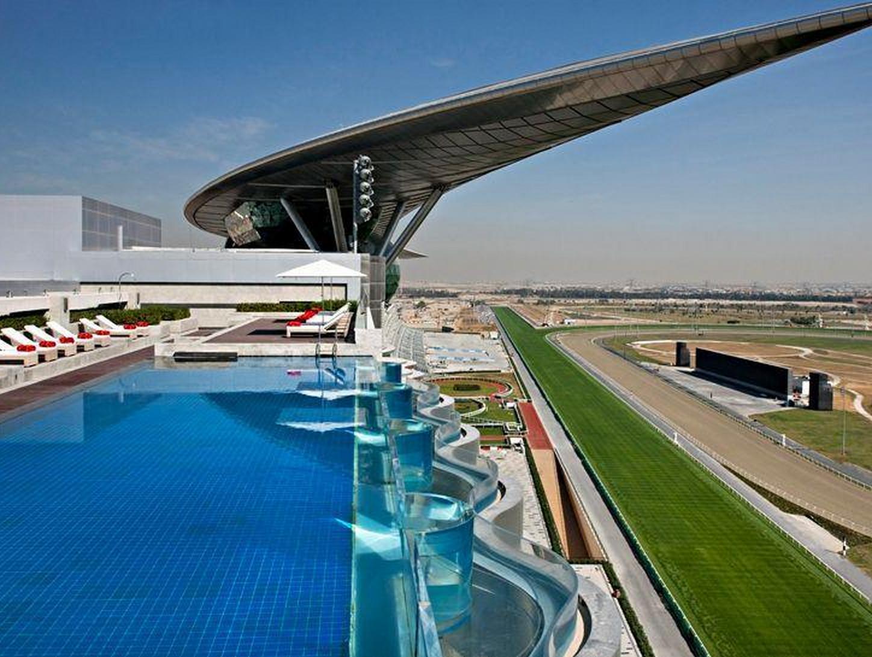世界最高賞金レースが開催される競馬場に隣接するラグジュアリーホテル「ザ・メイダン・ホテル」