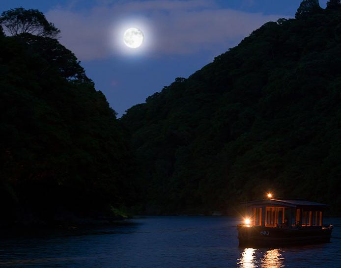 千年の都につくられた水上の私邸「星のや京都」