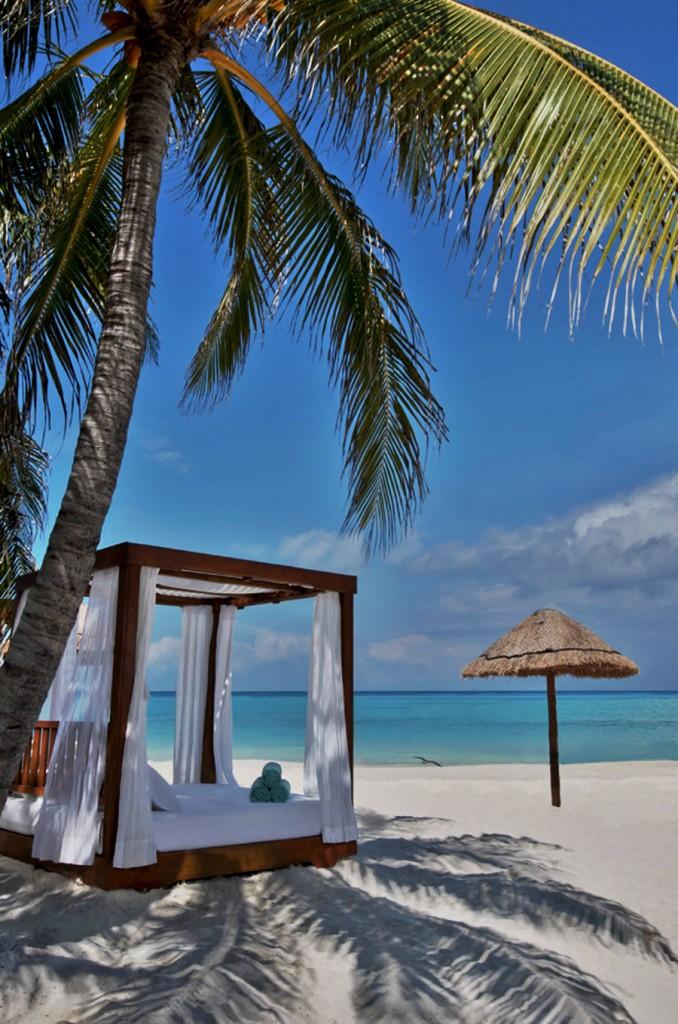 フィエスタ・アメリカーナ・グランド・コーラル・ビーチ・リゾート&スパ Fiesta Americana Grand Coral Beach Resort & Spaのビーチ