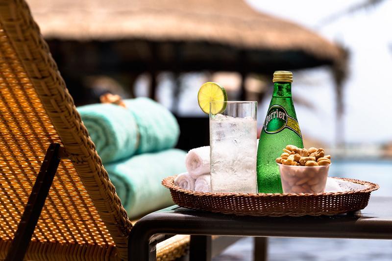 フィエスタ・アメリカーナ・グランド・コーラル・ビーチ・リゾート&スパ Fiesta Americana Grand Coral Beach Resort & Spaのプールサイドバー