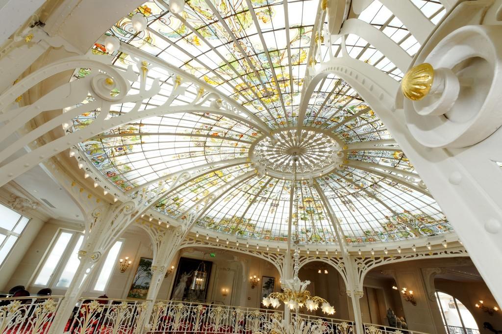 欧州の王侯貴族気分に浸るモナコを代表するホテル「オテル・エルミタージュ」