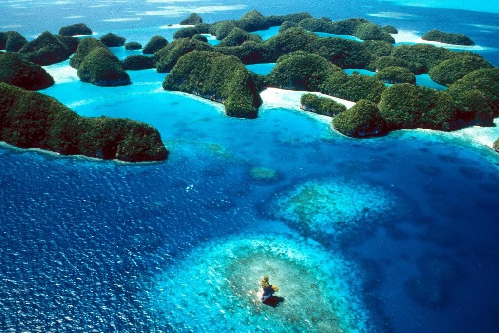 大自然を満喫つくす!世界一の絶景島をもつ美しき島々「ミクロネシア」