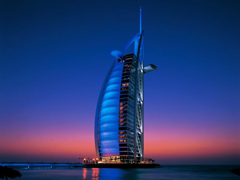 ドバイの栄華を感じる世界で唯一の7ツ星ホテル「ブルジュ・アル・アラブ」