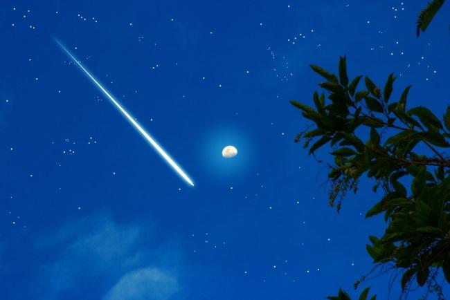 星に願いはありますか?「オリオン座流星群」が本日深夜に見頃です