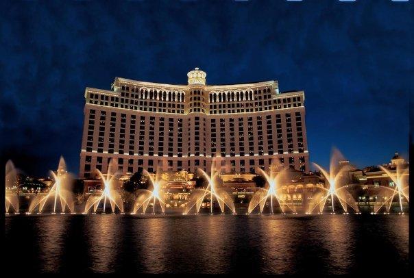 映画『オーシャンズ11』の舞台となったラスベガスを代表するカジノリゾート「ベラージオ・タワーズ」