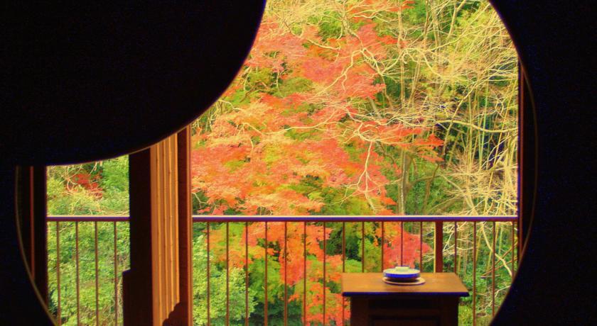 お部屋から、露天風呂から…紅葉が楽しめる国内の宿おすすめ5選