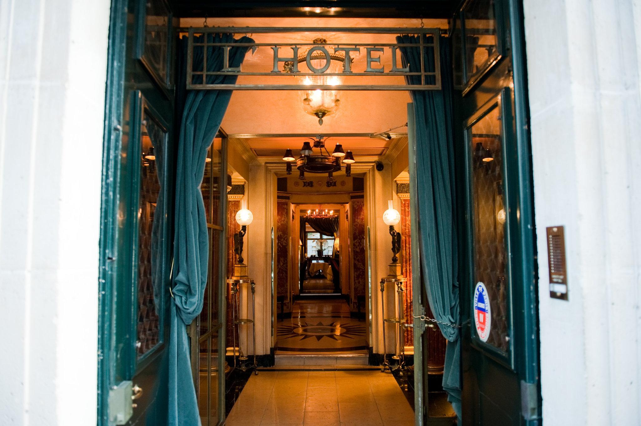 ハリウッドスターも通うパリの小さな隠れ家ホテル「ロテル(L'Hotel)」