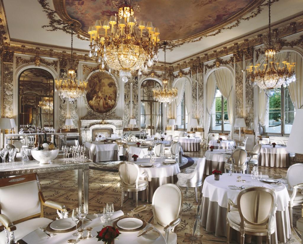 Le-Meurice-restaurant-courtesy-of-Le-Meurice