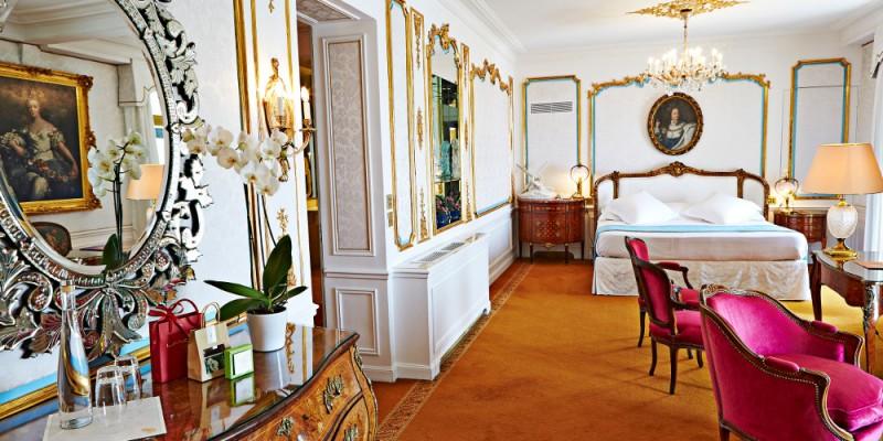 ル・ネグレスコのポンバドゥール・スイートの室内