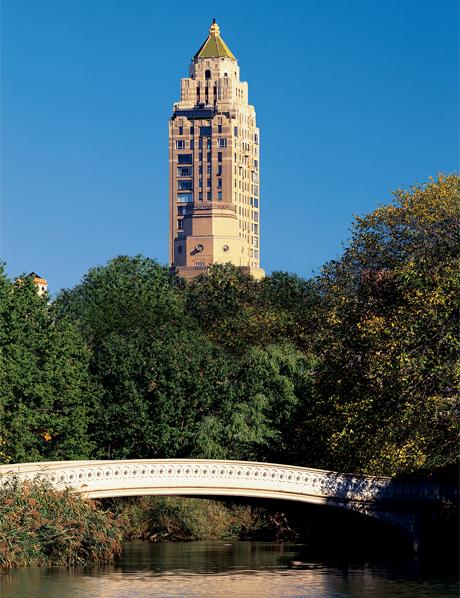 ニューヨークのホワイトハウスと呼ばれた伝説的な5つ星ホテル「カーライル」