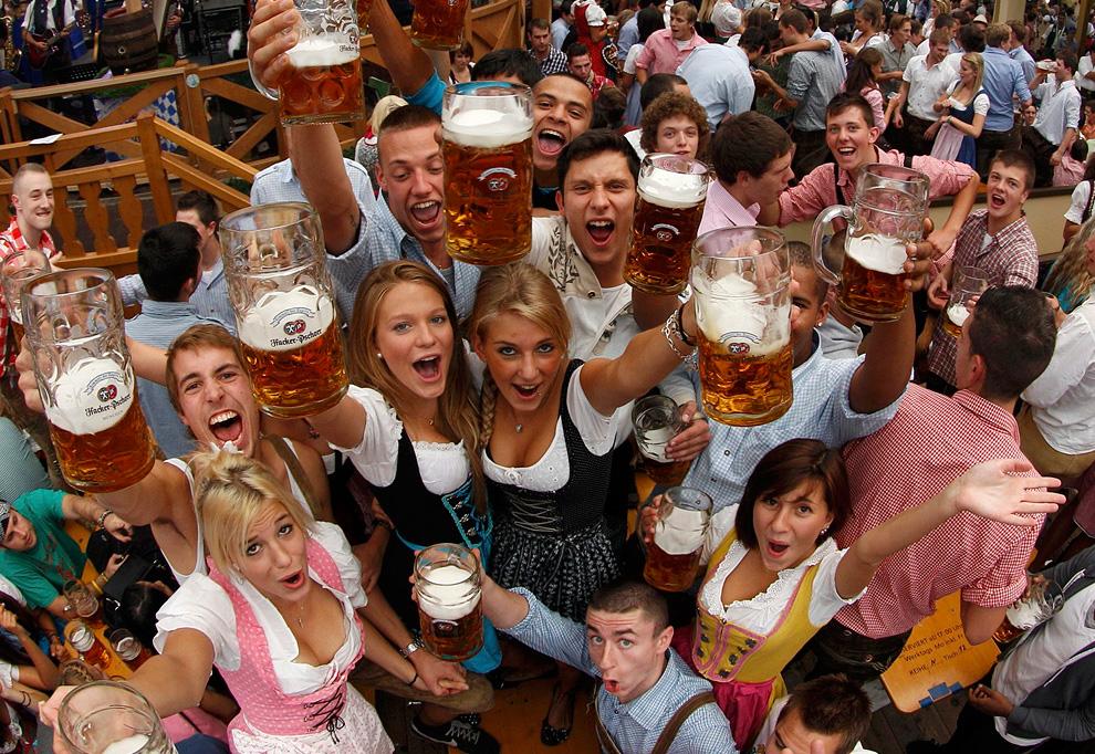 ビール党の皆様お待たせしました!ドイツのビールの祭典「横浜オクトーバーフェスト」今日から開催!