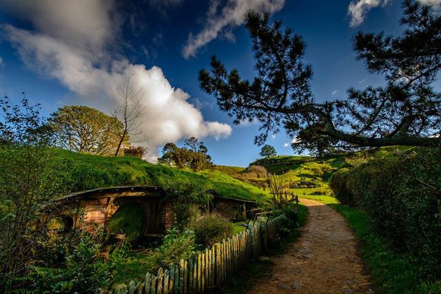 映画『ロード・オブ・ザ・リング』や『ホビット』の撮影地となったニュージーランドのホビット村