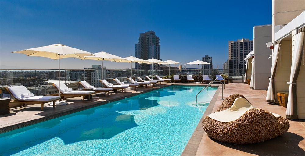 アンダーズ・サンディエゴの屋上プール