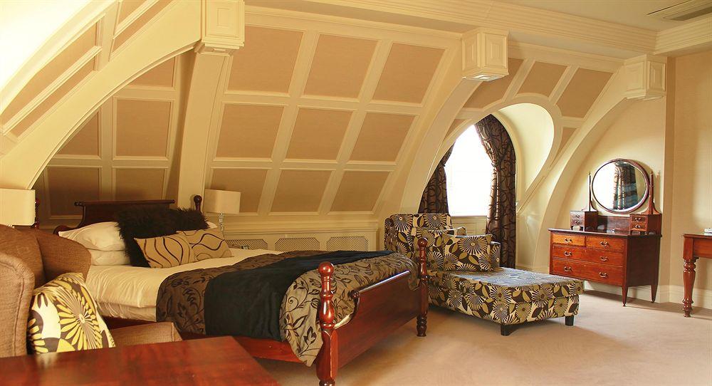 キラーニー・パーク・ホテル ジュニアスイート ベッドルーム