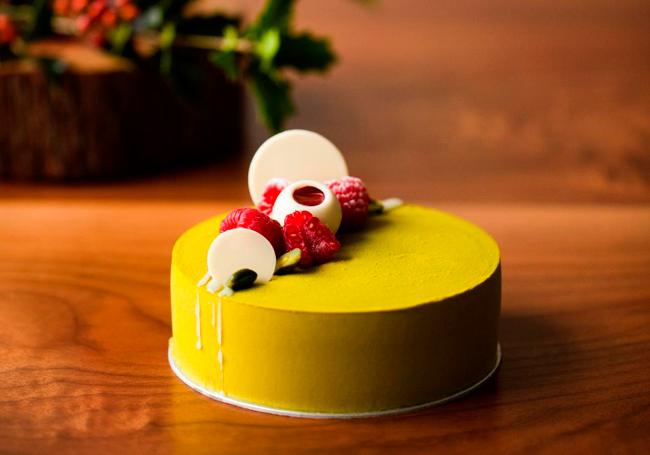 アンダーズ東京のペストリーシェフ岡崎正輝シェフが作るクリスマスケーキ