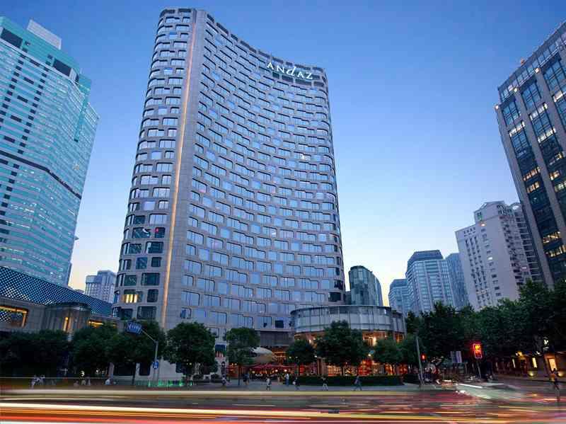 """上海のお洒落スポット""""新天地""""にそびえ立つ高級ホテル「アンダーズ上海」"""