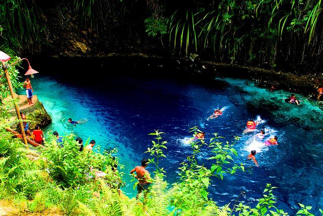 魔法の川と称されるフィリピンの蒼き川「ヒナトゥアン川」
